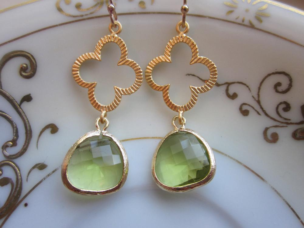 Peridot Earrings Green Gold Clover Connectors - Bridesmaid Earrings - Bridal Earrings - Wedding Earrings